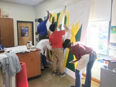 Senior mural bringing back tradition