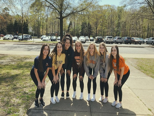 SENIORS+KATIE+BRUNS%2C+Sara+Dixon%2C+Maddie+Butkovich%2C+Cayla+Katz%2C+Anna+Mason%2C+Madison+Herron%2C+and+Ashley+Brunick+pose+for+a+picture+on+the+last+school+day+before+spring+break.+The+girls+showed+off+their+college+shirts+that+represented+where+they+will+be+attending+in+the+Fall.
