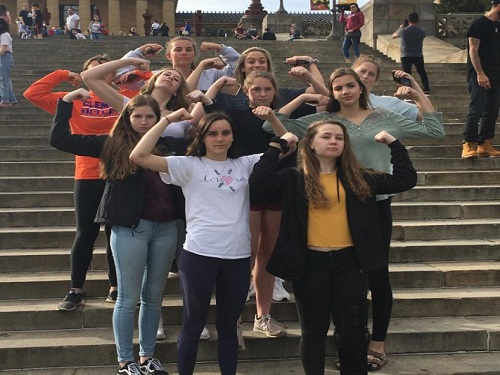 COX+STUDENTS+ON+the+ECVC+travel+volleyball+team+visit+Philadelphia%2C+PA+over+break+for+a+tournament.+Cox+students+along+with+other+VBCPS+students+are+members+on+the+team.