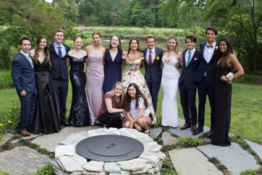Class of 2019 turns prom into Hollywood
