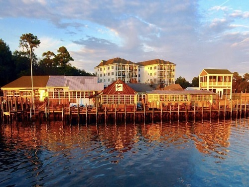 LOCATED BY THE bay, Chicks Oyster Bar provides a fun and inviting environment for friends and family to enjoy a night of good food and amazing views. This restaurant has become a Virginia Beach staple, loved by CHS faculty and students.